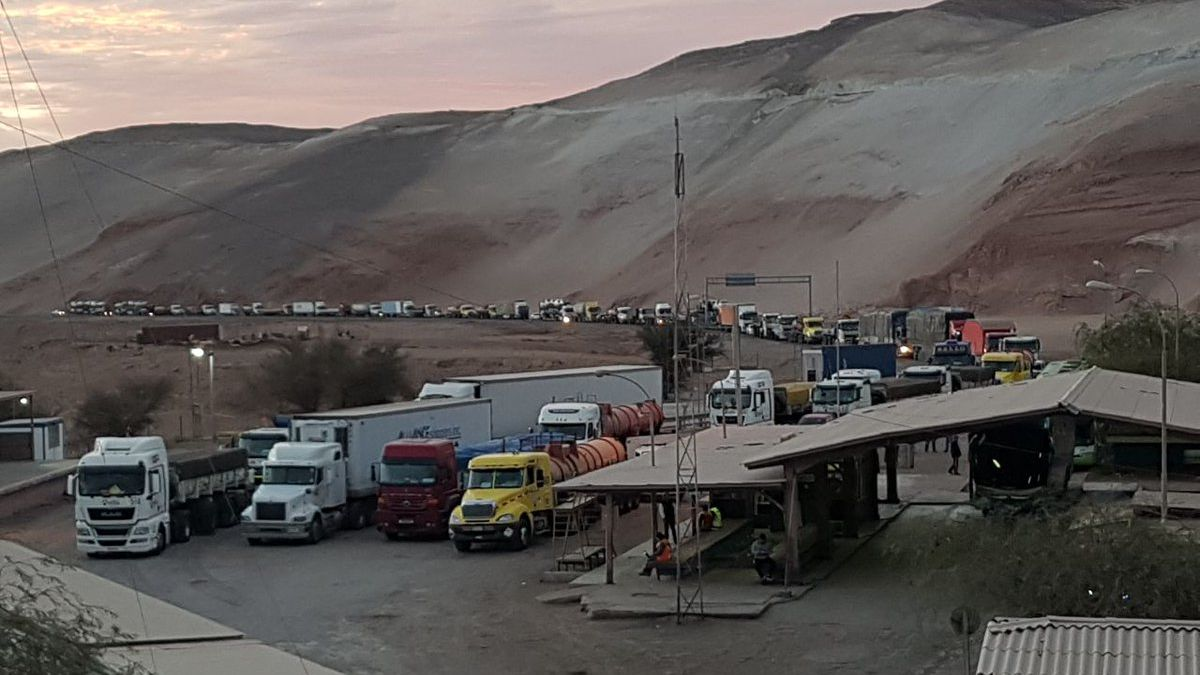 Customs Strike Hits Chilean Ports and Border Crossings