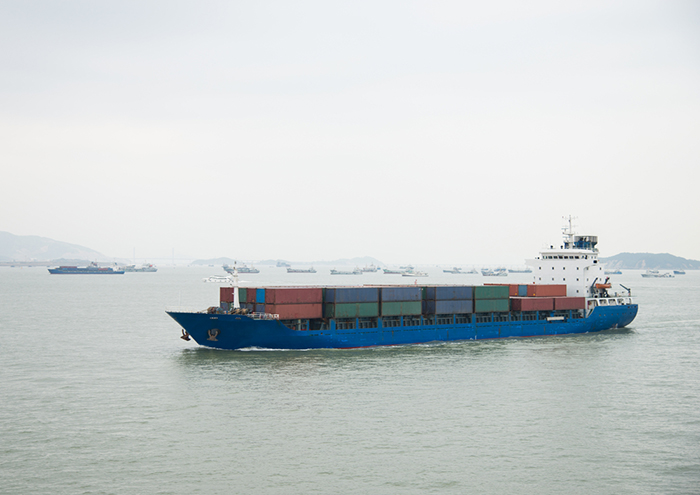 China ports introduce compulsory emissions rules from April